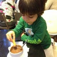 Foto tomada en Cafetería Churrería El Artesano por Sergio C. el 12/22/2012