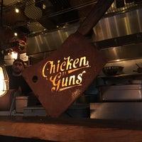 Foto tirada no(a) Chicken and Guns por Lisbeth O. em 10/1/2018