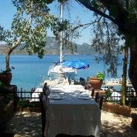 9/24/2012 tarihinde Elif E.ziyaretçi tarafından Sardunya Restaurant'de çekilen fotoğraf