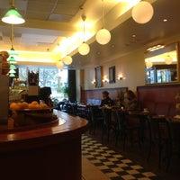 Das Foto wurde bei Café Esplanad von Andrei S. am 10/28/2012 aufgenommen
