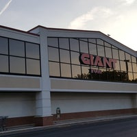 Photo taken at Giant by Raymond W. on 6/12/2017