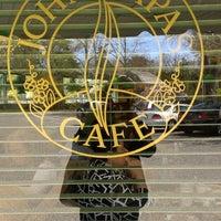 Photo taken at John Papas Cafe by Arlan F. on 5/5/2013