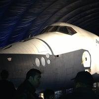 Photo prise au Space Shuttle Pavilion at the Intrepid Museum par James R. le10/28/2012