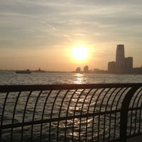 Photo prise au Battery Park City Esplanade par George C. le5/22/2013