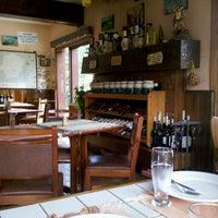 Foto tirada no(a) Restaurante Pinheiro Velho por Adriano S. em 1/23/2013