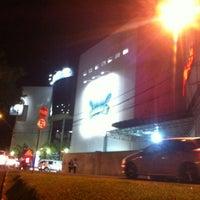Photo taken at Cataratas JL Shopping by Genison G. on 10/20/2012