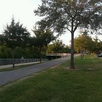 รูปภาพถ่ายที่ Terry Hershey Park โดย Cesar B. เมื่อ 10/4/2012