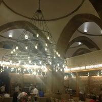 7/21/2013 tarihinde Zülayziyaretçi tarafından Bedesten Osmanlı Mutfağı'de çekilen fotoğraf