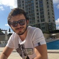 Photo taken at 5 No.'lu Havuz by Hakan B. on 6/9/2013