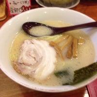 Photo taken at 百歩ラーメン by tonrecobran k. on 6/1/2013