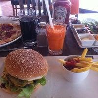 2/27/2013 tarihinde Osman A.ziyaretçi tarafından KA'hve Café & Restaurant'de çekilen fotoğraf
