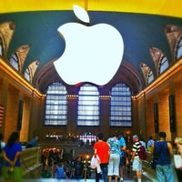 Photo taken at Apple Grand Central by Duly on 6/25/2013