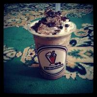 Photo taken at Coffelicious by Noor Kamelia B. on 4/27/2014
