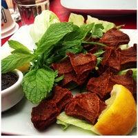 4/18/2013 tarihinde Feritziyaretçi tarafından Gomşu Restaurant'de çekilen fotoğraf