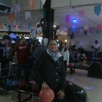 Foto tirada no(a) Boliche SP Diversões por Cris T. em 7/2/2013