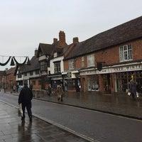 Photo taken at Stratford-upon-Avon by Felipe S. on 12/10/2016