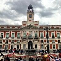 Foto tomada en Puerta del Sol por Bryant B. el 5/16/2013
