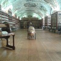 8/24/2013 tarihinde neiljohnfordziyaretçi tarafından Strahovská knihovna'de çekilen fotoğraf