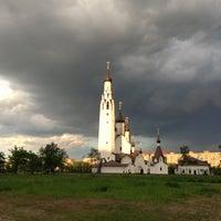 Photo taken at Парк Строителей by Дарья К. on 5/31/2013