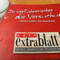 Das Foto wurde bei Cafe Extrablatt von Melisa K. am 4/3/2013 aufgenommen