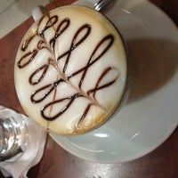Photo taken at Lucca Cafés Especiais by Clessia C. on 5/14/2013