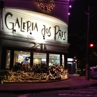 Photo taken at Galeria dos Pães by Glaucia on 12/28/2012