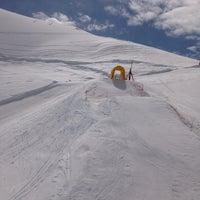 Das Foto wurde bei PlayStation Vita Ischgl Snowpark von Игорь П. am 4/16/2013 aufgenommen