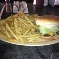 Photo prise au Kevin's Hamburger Heaven par Carlos le10/16/2012