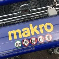 Makro 40 Jaar