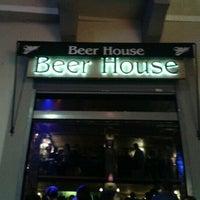 9/28/2012 tarihinde Simge U.ziyaretçi tarafından Beer House'de çekilen fotoğraf