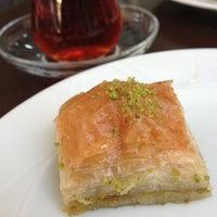 10/23/2012 tarihinde Devran M.ziyaretçi tarafından Tatlıcı Remzi Usta'de çekilen fotoğraf