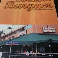 รูปภาพถ่ายที่ Brasil Burger โดย Valeria F. เมื่อ 2/24/2013