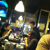 Photo taken at Osha Thai Noodle Cafe by G on 9/27/2012