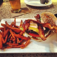 Photo taken at Eureka Gourmet Burger and Craft Beer by Juhmad H. on 5/18/2013