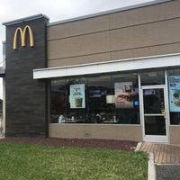 Photo taken at McDonald's by Juan F. on 12/4/2017