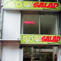Photo taken at Pop Salad [Healthy Food And Drinks] by Rodrigo T. on 10/12/2015