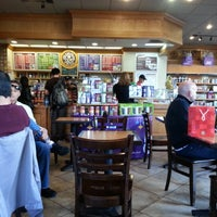 Photo taken at The Coffee Bean & Tea Leaf by Jaime P. on 12/18/2012