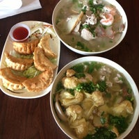 Photo taken at Teo Chow Noodle Shack by vici0us s. on 10/12/2012