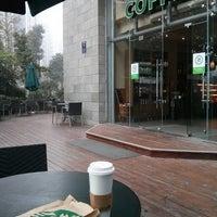 Photo taken at Starbucks (星巴克) by Renqing D. on 10/3/2013