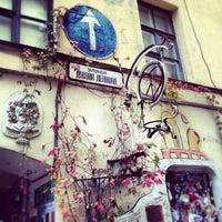 Снимок сделан в Арт-центр «Пушкинская 10» пользователем Lyulechka 10/20/2012
