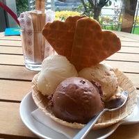 5/12/2013 tarihinde Merve D.ziyaretçi tarafından Kahve Dünyası'de çekilen fotoğraf