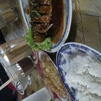 Photo taken at Norfatihah Seafood by Rahimi on 12/5/2013