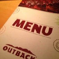 Foto tirada no(a) Outback Steakhouse por Lucas R. em 11/24/2013