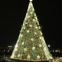 Photo taken at The Ellipse — President's Park South by Rebecca N. on 12/16/2012
