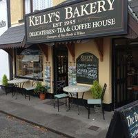 Photo taken at Kelly's Bakery by Ceci on 9/25/2013