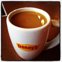 Снимок сделан в Denny's пользователем Maldiel A. 11/14/2013