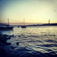 Photo taken at Tarihi Çınaraltı Aile Çay Bahçesi by Arzu K. on 7/3/2013