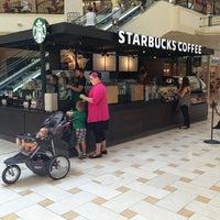 Photo taken at Starbucks by Yindsey on 7/12/2013