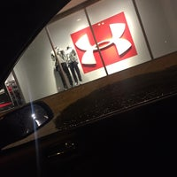 Photo taken at Under Armour Outlet by Chrissy on 11/25/2016
