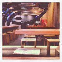 Photo taken at Sushi Hub by Simon Taylor A. on 6/8/2013